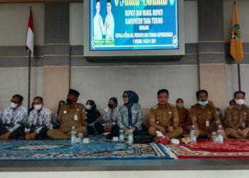 Bupati KTT Ibrahim Ali bersama Bunda Paud  Vamelia Ibrahim saat menghadiri acara halal bihalal bersama kepala sekolah dan tenaga pendidik di Pendopo Japarudin.Foto: Fokusborneo