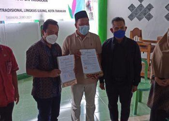 Penyerahan Bantuan Untuk Nelayan Tarakan dari PLN UPDK Kaltara. Foto: fokusborneo.com