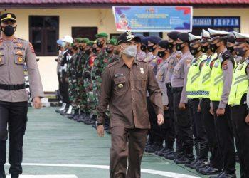 Bupati Malinau Wempi Pimpin Apel Gelar Pasukan Operasi Ketupat Kayan 2021. Foto: ist