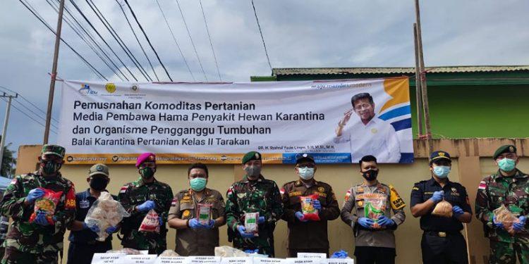 BKP Tarakan Musnahkan Ratusan Produk Ilegal dari Malaysia. foto: ist