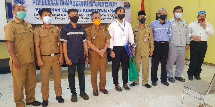 Wali Kota Tarakan dr. Khairul membuka pelatihan 10 kejuruan angkatan ke 2 di UPTD LLK Kota Tarakan, Selasa (8/6). Foto : Fokusborneo.com