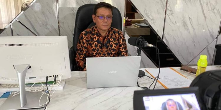 Wakil Bupati Bulungan, Ingkong Ala saat mengikuti pelantikan pengurus badan musyawarah antar Gereja (Bamag) Kab.Bulungan periode 2021-2024 yang di lakukan secara daring
