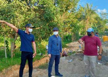 Bupati KTT, Ibrahim Ali melaksanakan tinjauan langsung sejumlah pembangunan infrastruktur di wilayah Kabupaten Tana Tidung, Minggu (18/07).