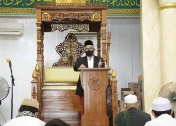 Wali Kota Tarakan dr. Khairul jadi khatib sholat Idul Adha di Masjid Ar-Rahman Sebengkok. Foto : Humas Pemkot Tarakan.