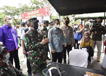 Kodam VI/ Mulawarman laksanakan Sejuta Vaksin sehati di  Samarinda Ibu Kota Provinsi Kalimantan Utara.Foto: Penerangan Kodam VI / Mulawarman