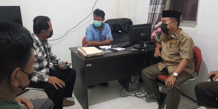 Ketua FKKRT Kota Tarakan Rusli Jabba bertemu Lurah Karang Anyar Jumanto. Foto : Fokusborneo.com