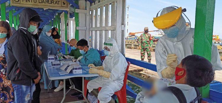 Swan Antigen Penumpang Kapal Pelni di Pelabuhan Malundung Tarakan. Foto: fokusborneo.com