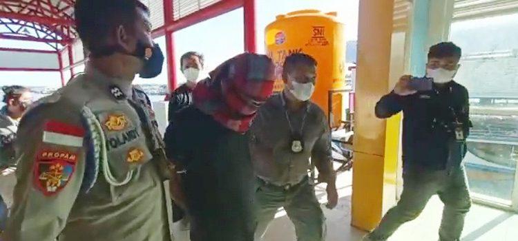 Berhasil Ditangkap, Pelaku Perampokan Tiba di Pelabuhan Tengkayu I SDF Tarakan. Foto: fokusborneo.com