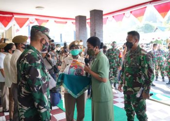 KASAD didampingi Ibu Hetty Andika Perkasa mengunjungi Rumah Sakit Dr.R.Hardjanto Balikpapan