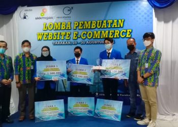 Foto Bersama: Medco E&P dan STIMIK PPKIA Tarakan Umumkan Pemenang Lomba Website E-Commerce. foto: ist