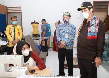 Wakil Gubernur Kaltara Yansen TP mengunjungi SMK Negeri 1 Kota Tarakan. Foto : Biroadpim