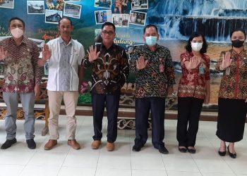 Komisi Gabungan DPRD Tana Tidung melaksanakan kunjungan kerja ke Dinas Pariwisata Kabupaten Malinau  dalam rangka koordinasi dan konsultasi mengenai tata kelola wisata dan aturan retribusi tempat wisata (perda/perbup)
