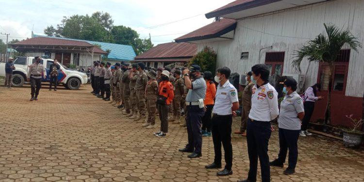 Personil Gabungan melakukan pengamanan di depan Kantor DPRD Kabupaten Tana Tidung