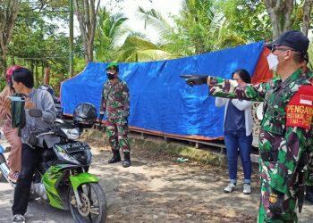 Komandan Kodim 0907 Tarakan, Letkol Inf Reza Fajar Lesamana, memimpin langsung pelaksanaan patroli  protokol kesehatan di tempat tempat keramaian, Sabtu (18/09)