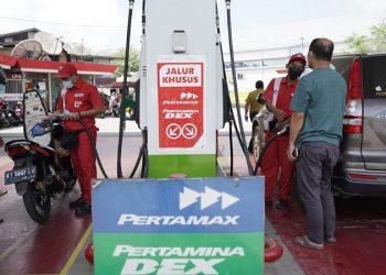 Pengisian BBM Pertamax di Salah Satu SPBU di Tarakan. foto: ist