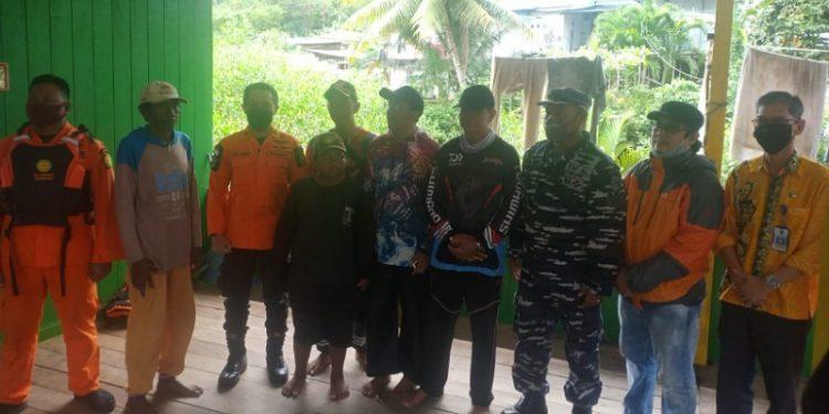Tiga Warga Tarakan Ditemukan Selamat Setelah 12 Jam Terapung di Laut. Foto: Basarnas Tarakan