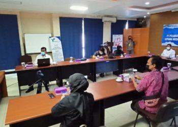 Jajaran Manajemen PT Pelindo IV Cabang Tarakan dan Awak Media Mengikuti Zoom Sosialisasi Integrasi Pelindo I-IV. Foto: fokusborneo.com
